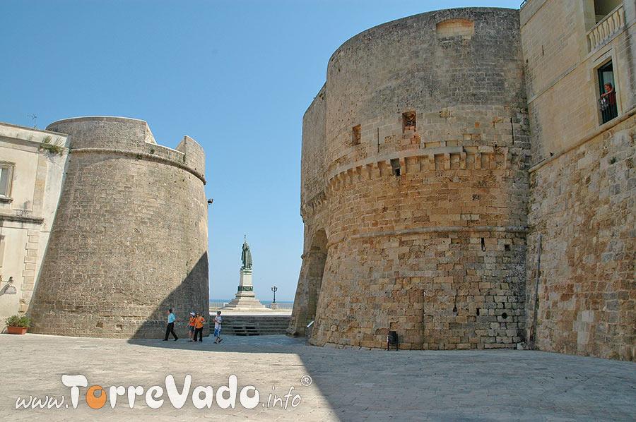 Le mura - Largo Porta Alfonsina e Torre Alfonsina Otranto