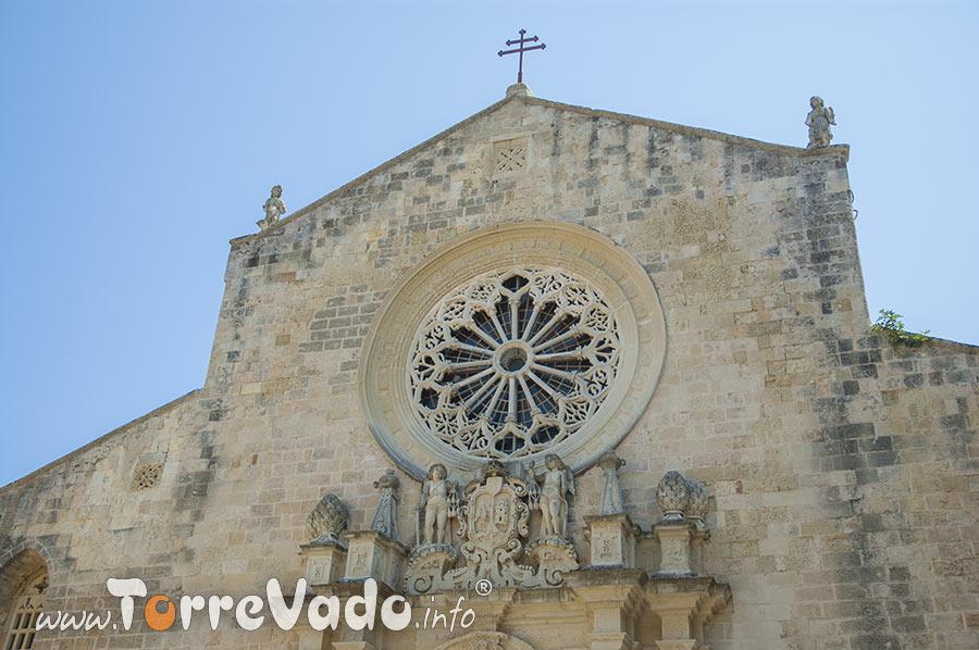 Rosone sulla facciata della cattedrale